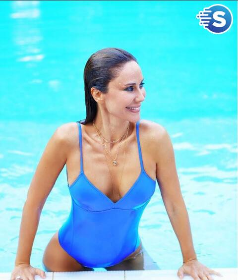 demet şener havuz fotoğraf
