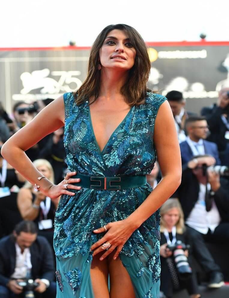 elisa isoardi venedik film festivali