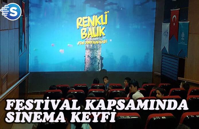 Hakkari'de festival kapsamında film gösterimi devam ediyor