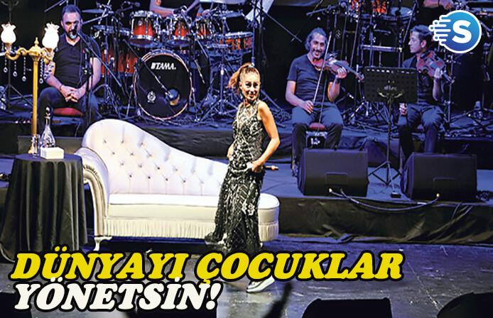 Yıldız Tilbe, Bursa'da sahne aldı