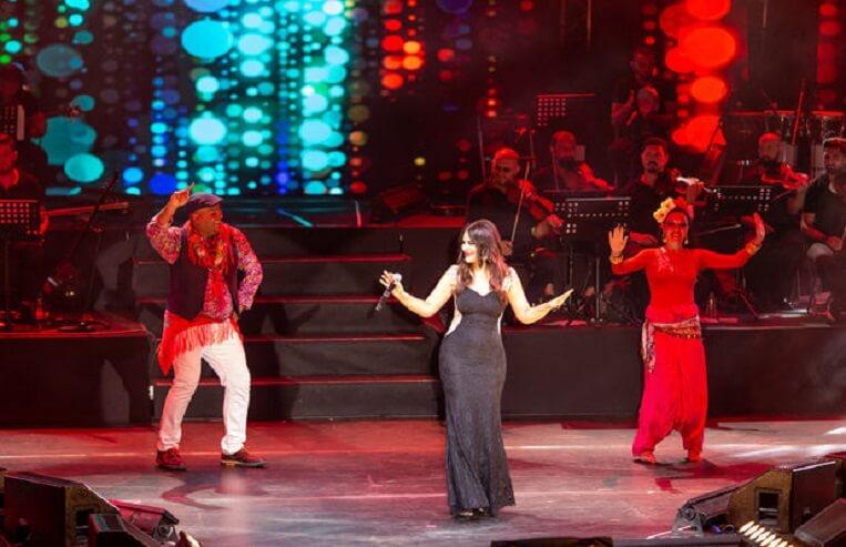 zara turkcell yıldızlı geceler konser