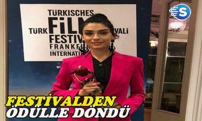 Hazar Ergüçlü, 18. Frankfurt Türk Film Festivali'nden ödülle döndü