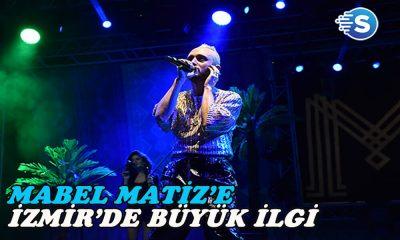 Mabel Matiz, İzmir'de sahne aldı