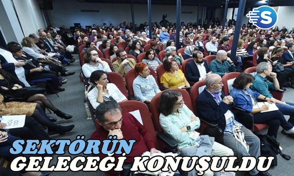 8. Zeynep Cemali Edebiyat Günü'nde sektörün geleceği masaya yatırıldı