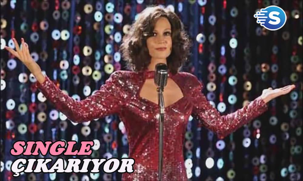 """Farah Zeynep Abdullah ilk single'nı çıkarıyor: """"Bu Hangi Masaldı?"""""""