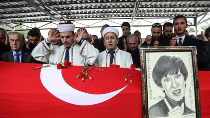 Ayşen Gruda Cenaze