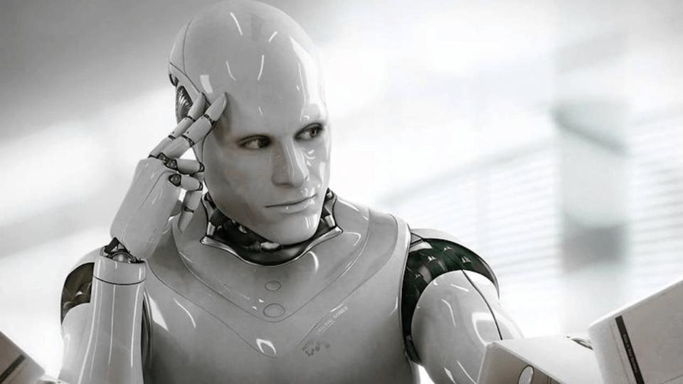 ogrencilere-yemek-dagitan-robotlar-sasirtmaya-devam-ediyor