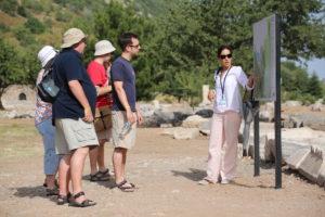 Tur Rehberliği Nedir? Nasıl Tur Rehberi Olunur?